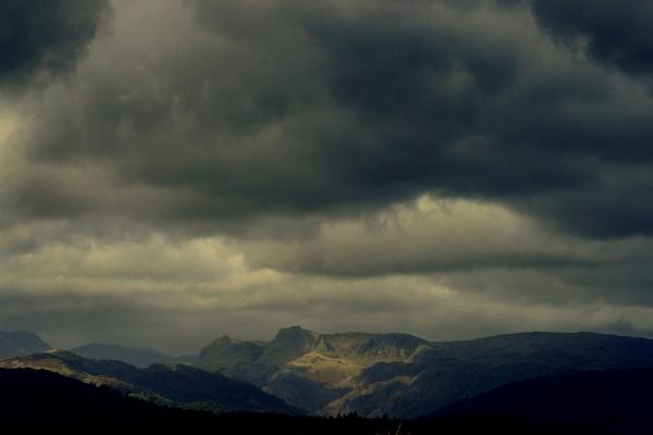 Darkening sky by dudler
