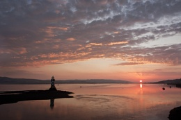 Sunrise over the Clyde lighthouse