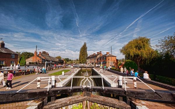 Stoke Bruerne Locks by Jacobite