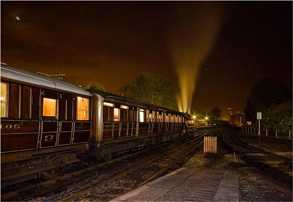 Last train by cassiecat