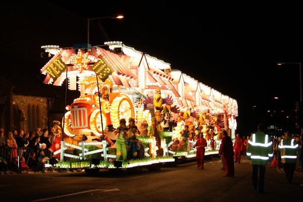 carnival by min
