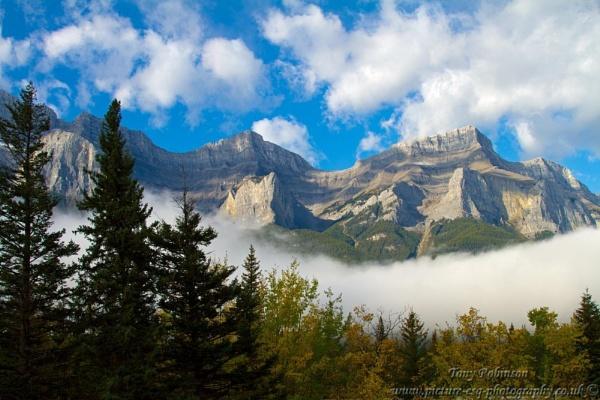 Mist on the rocks by AR_Photography