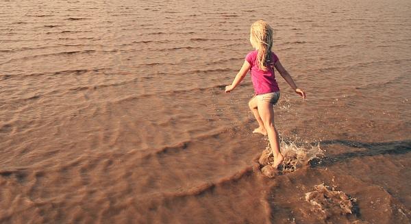 Running on water by AlexandraSD