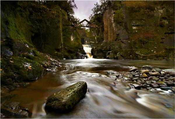 Bracklinn Falls by Paul_Barr