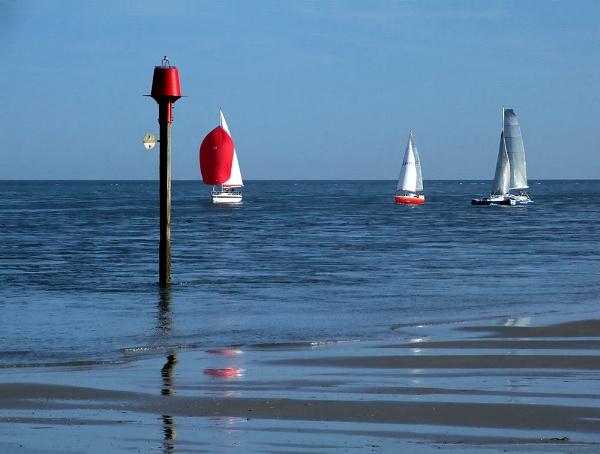 Sailing at Hayling by pamelajean