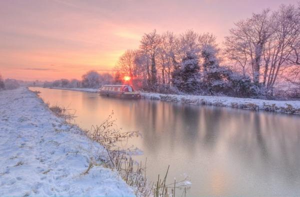 Frozen winter canal by dkphoto