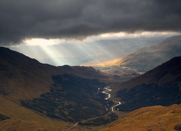 Sunshines on Glenfinnan by pg349