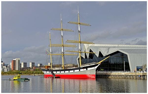 "\""Glasgow\'s Tall Ship\"" by RonnieAG"
