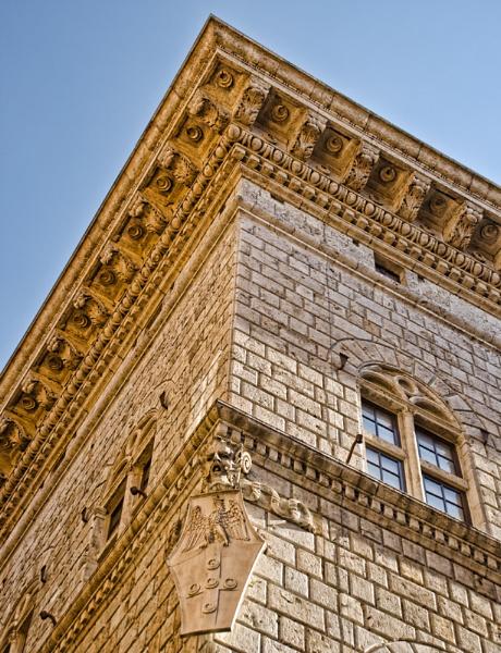 A building in Siena by Sasanach