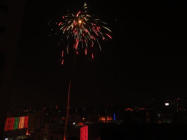 fireworks at diwali -kolkata Night by ARGHYASIKDAR