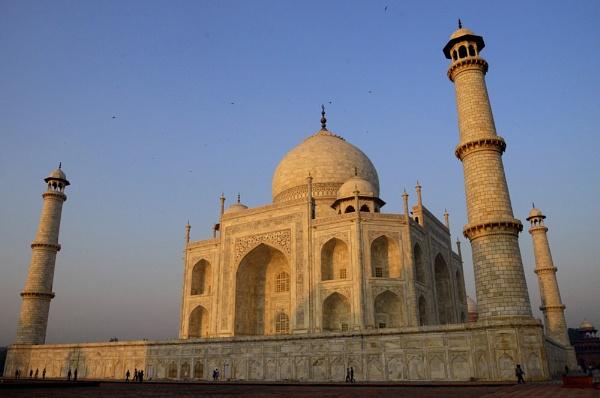 The Taj in the dawn by kpramanik7