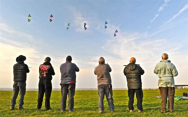 Lets go fly a kite by Kentoony