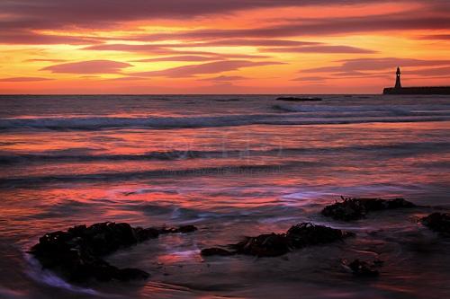 Roker sunrise by fletchphoto