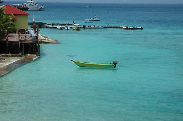 Perhentian Island by Maisarah