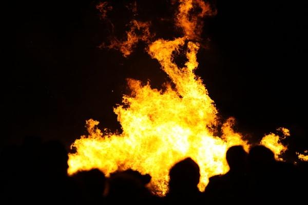 Bonfire Celebrations by eonisuk