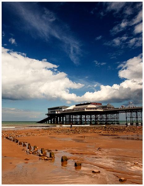 Cromer Pier by marathonman2
