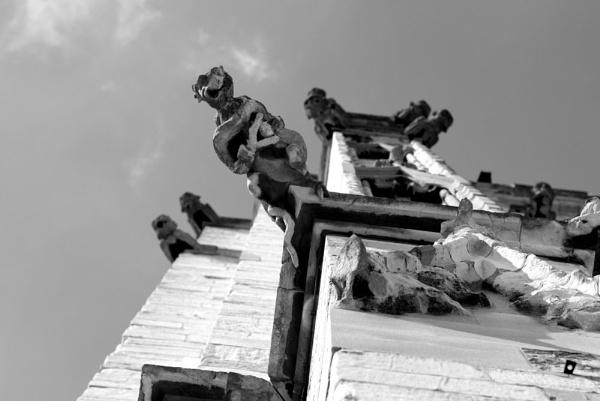 gargoyle by Louise_prestwich