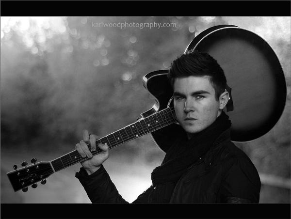 Guitar Man... by woodlark
