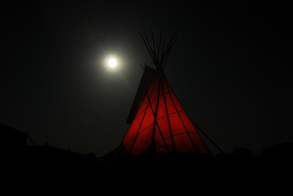 Tipi and full moon by olivernares