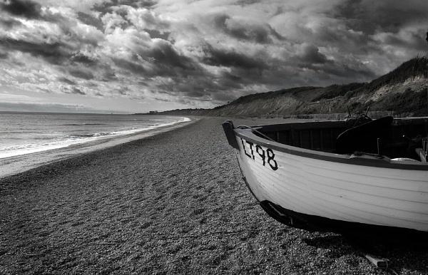 Dunwich Beach by mike
