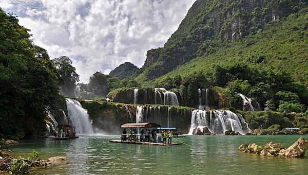 BAN GIOC WATERFALLS by JN_CHATELAIN_PHOTOGRAPHY