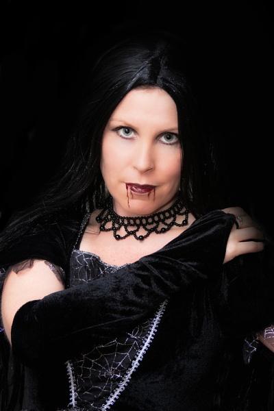 Vampiress by Roger1