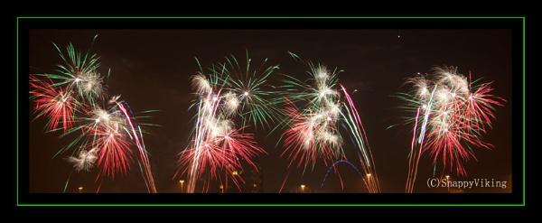 Hlaton Fireworks 2011 by SnappyViking