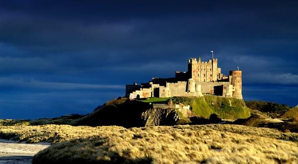 Bamburgh castle by nazimundo