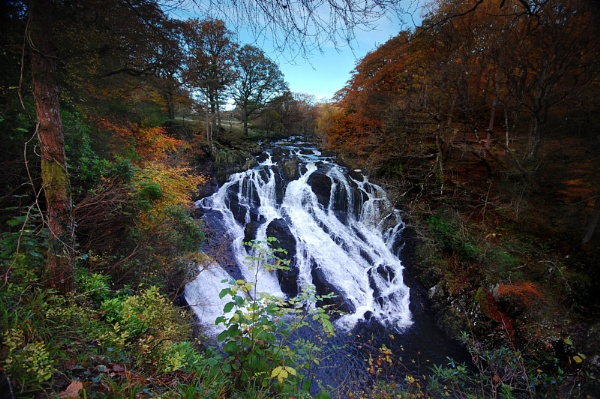 Swallow falls in the Autumn by Brenty