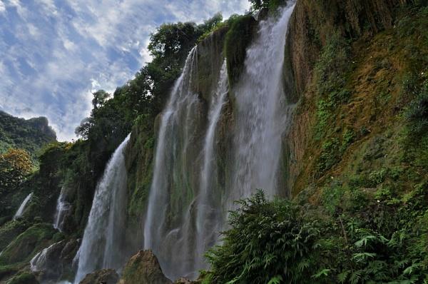 BAN GIOC WATERFALLS (4)