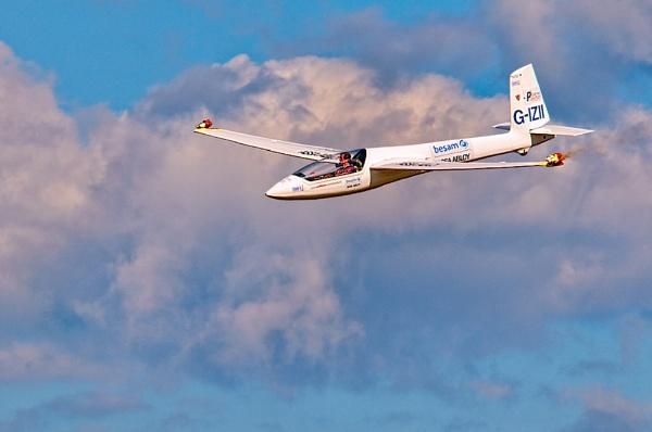 Glider by GaryMoffat
