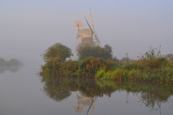 Early Morning on the Broads by markt