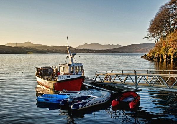 Loch Portree by Sasanach