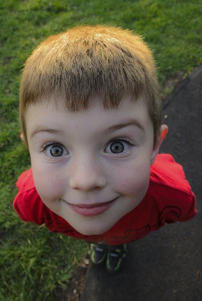 big eyes by KONIN