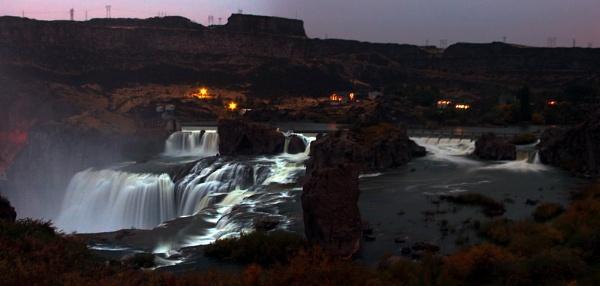 Shoshone Falls at night by frayidaho