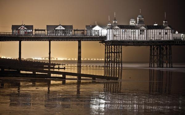 Eastbourne Pier by Jazzmk