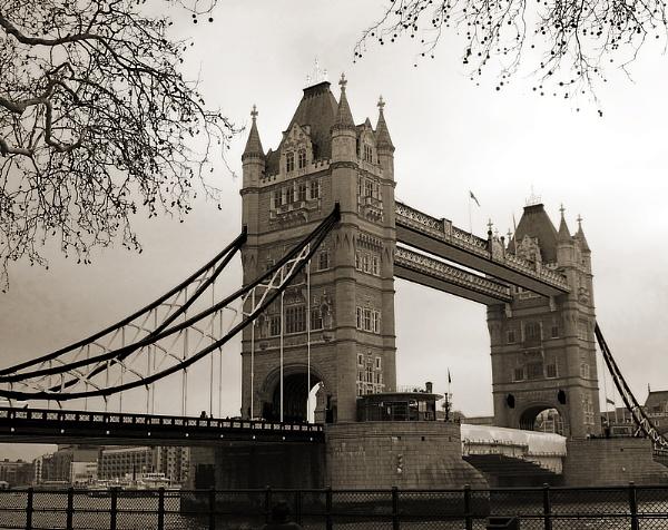 Tower Bridge by mattberry