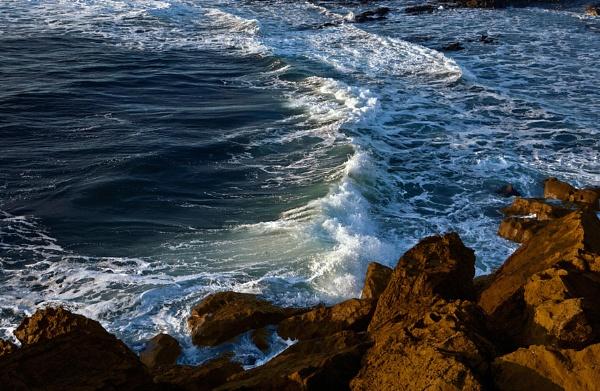 Waves & rocks by jameswburke