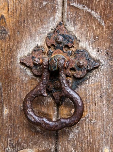 Rusty door handle by morpheus1955