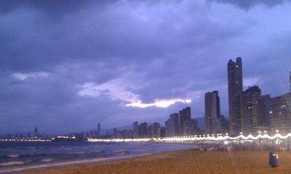 Benidorm beach at Twilight by moglen