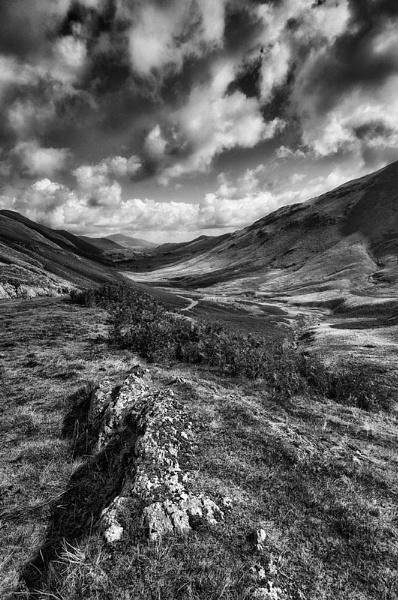 Valley View by GaryMoffat