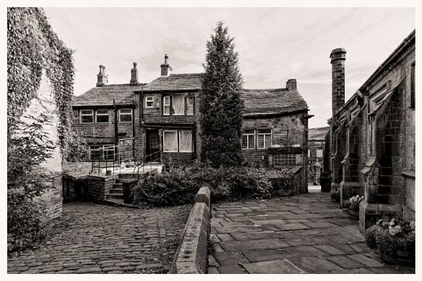 Back Street by HuntedDragon