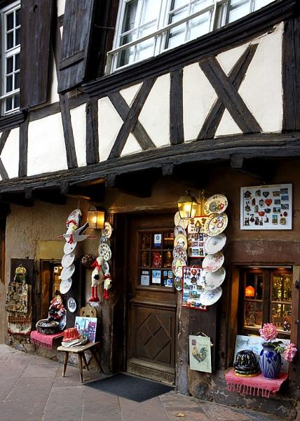 A souvenir shop by xwang