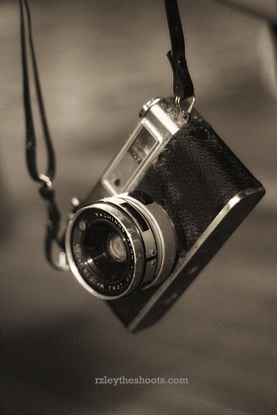 YASHICA MG-1 by Rzleytheshoots