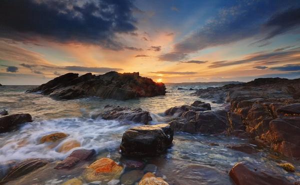 Heybrook Bay by andyfox