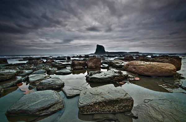 Rocks at Black Nab by pdove