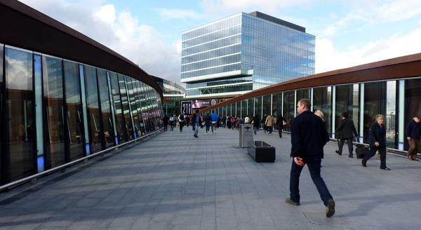 Stratford Bridge - Westfield Shopping Mall by sedonamoonshine