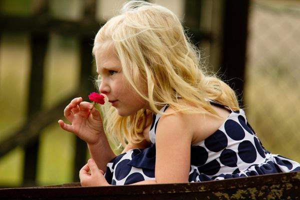 Flower Girl by Jazzmk