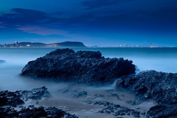 Currumbin Rocks at Night by dvdrew