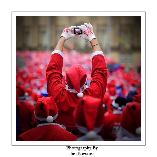 Liverpool 2011 Santa Dash by newy17